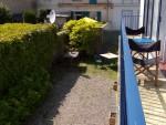 vue du jardin depuis le balcon en attendant la floraison des hortensias