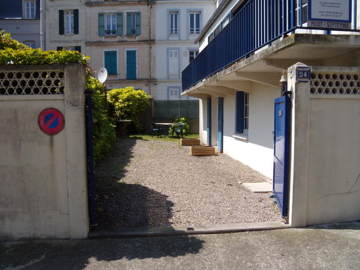 Exterieur 7 villa le tabellion mers les bains for Galerie exterieur maison