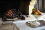 Le séjour, détail de la cheminée