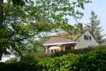La villa depuis le parc boisé centenaire situé en face